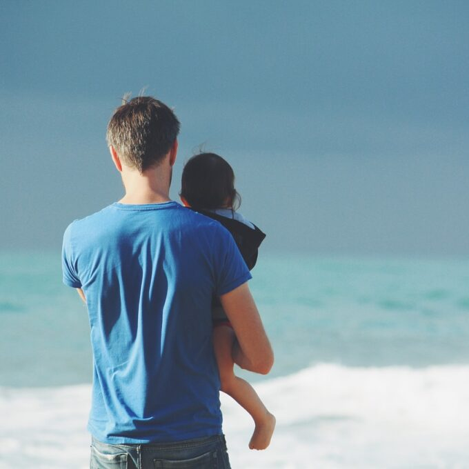 parent, father, holding-863085.jpg